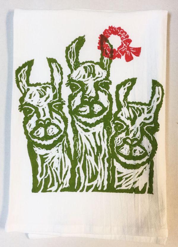 llamas with wreath towel