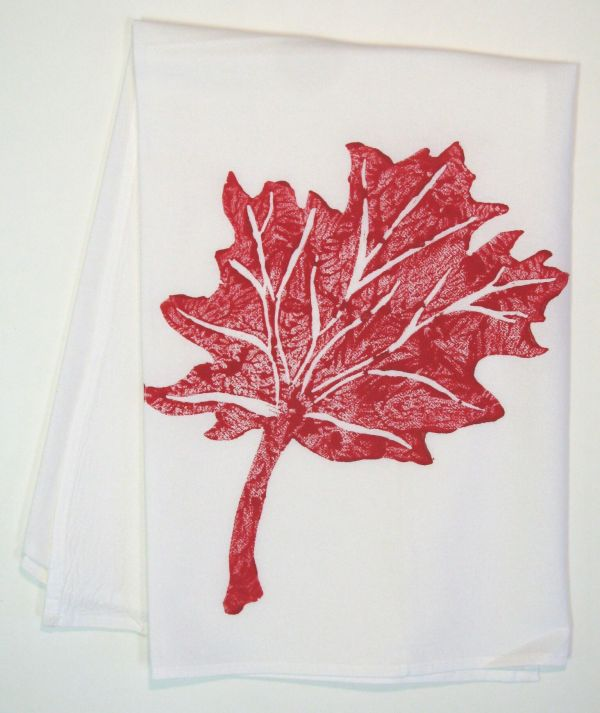 maple leaf towel