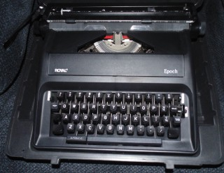 Royal Epoch Manual Typewriter