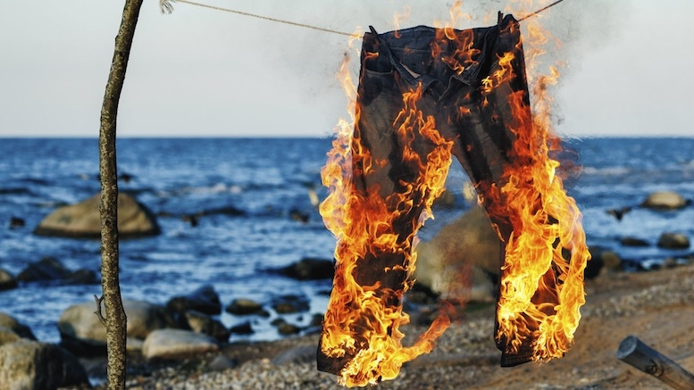 Closing Argument >> Lawyer's Pants on Fire During Closing Argument – Lowering the Bar