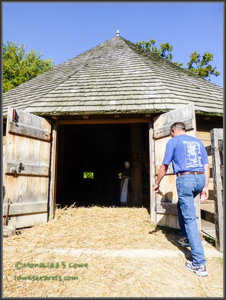16 -sided barn at Mount Vernon