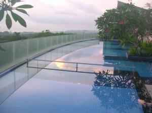 Le Meridien Changi Village pool