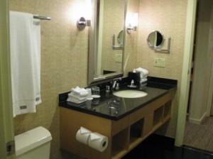 vancouver-westin-grand-bathroom