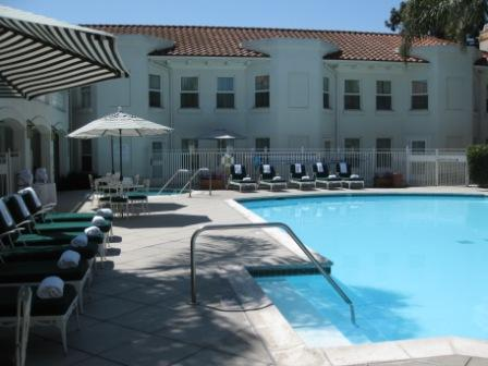 Dolce Hayes Mansion pool and hotel wing