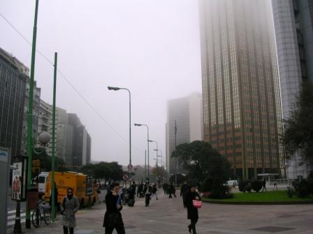A work day in Buenos Aires in June fog