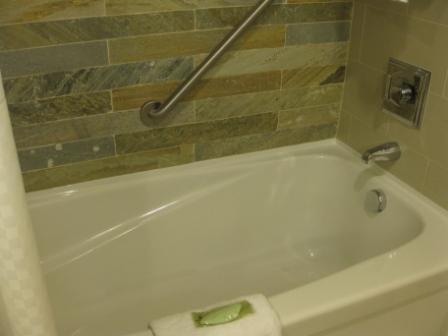 Westin Verasa Napa bath tub