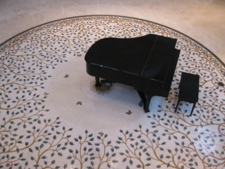 st-regis-mb-rotunda-piano1