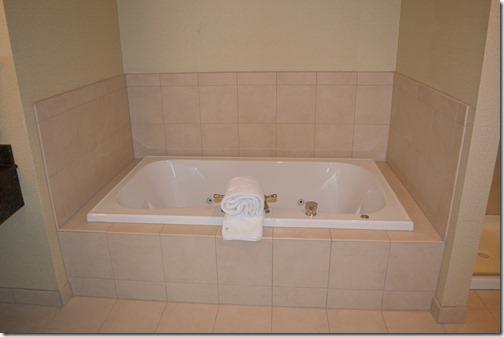 HGI spa tub