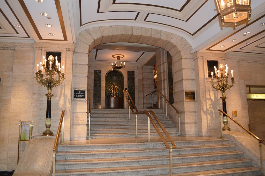 Foyer House Hotel : Palmer house hilton history of chicago s oldest hotel