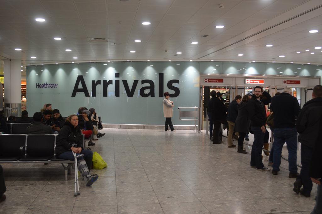 where to meet international arrivals at heathrow
