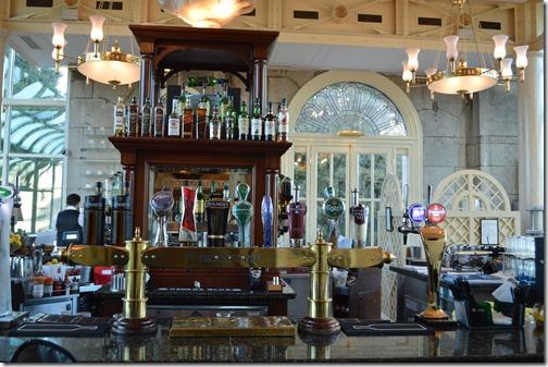 St Helens bar