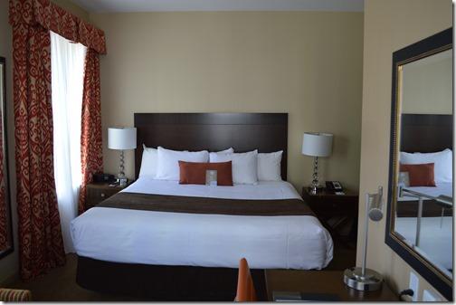 Comfort Inn bed