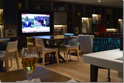 HI Camden bar TV