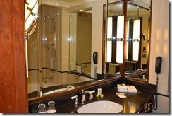IC 464 bathroom