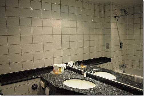HI LHR T5 bath