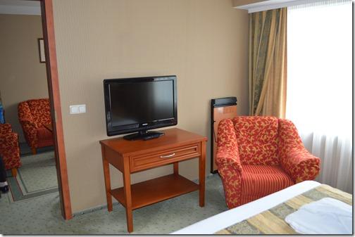 CP suite 703-1