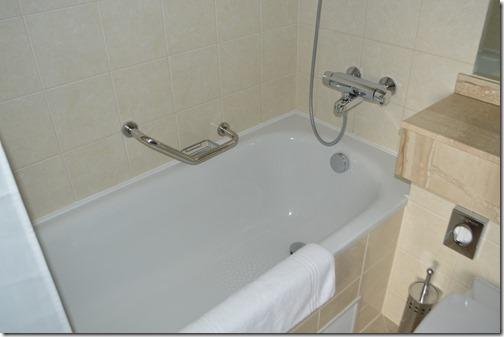 CP suite bath