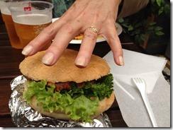 Duzy hamburger