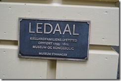 Ledaal sign