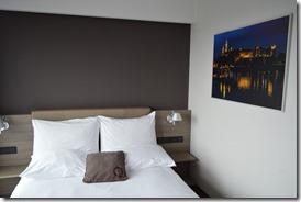 BW Krakow bed-1