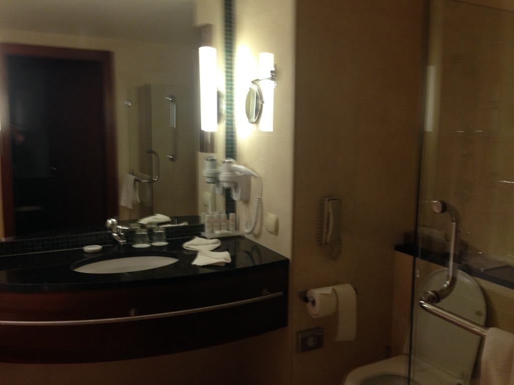 Bathroom Stall Em Portugues radisson blu wroclaw hotel review - loyalty traveler