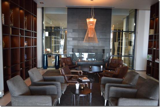 Reykjavik Hilton lobby 2