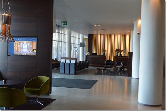 Reykjavik Hilton lobby1