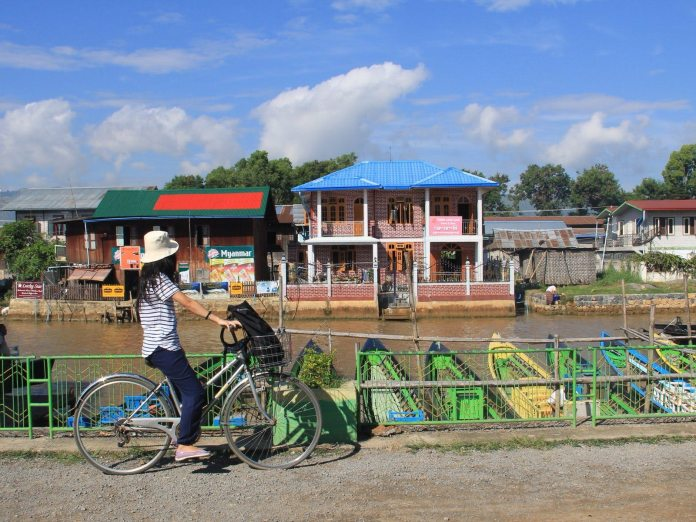 Cyclist in Nyaungshwe town