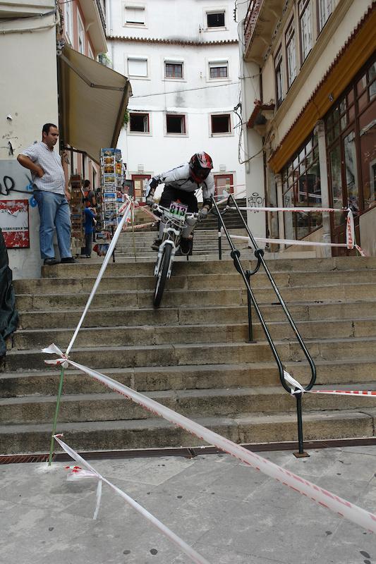 escadas 'quebracostas' / photo by CrisTina Paisano