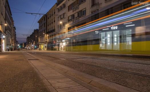 la rue Jean jaures de nuit