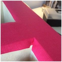 Tissu coupé en giagonale