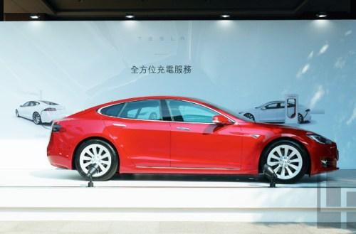 Tesla預計2017全球充電站總數擴大一倍,台灣中南部超級充電站年中啟用
