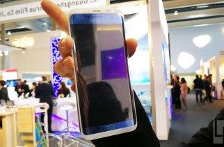 三星S8 / S8 Plus保護貼現身MWC,螢幕大到可以塞進整支S7 edge!