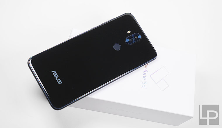 ASUS ZenFone 5Q開箱實測:內建四鏡頭,一秒切換超廣角!拍景自拍都方便