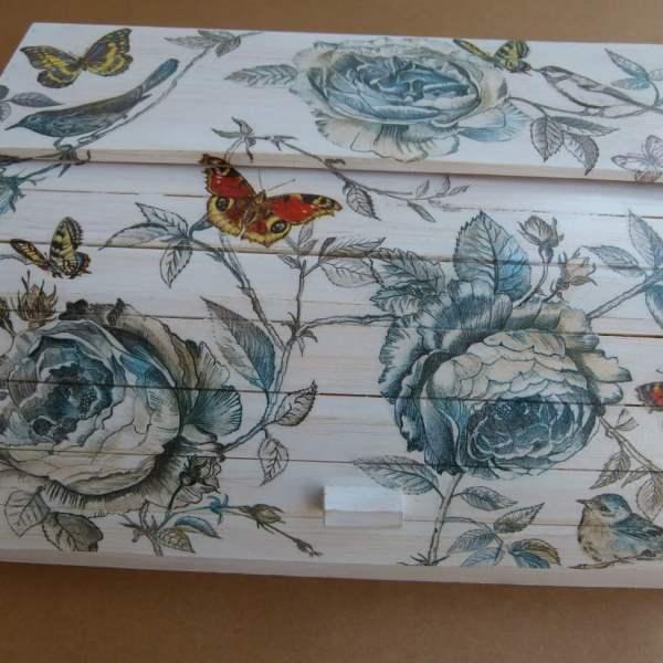 shabby-chic-flowers-bread-box (2)