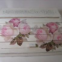 shabby-chic-roses-bred-box