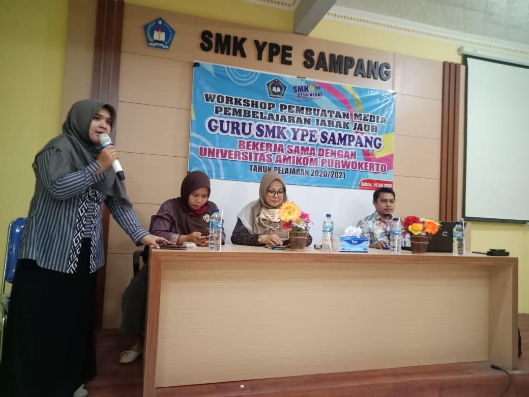 LP3M Universitas Amikom Purwokerto Beri Pelatihan Media Pembelajaran Daring di SMK YPE Sampang Cilacap