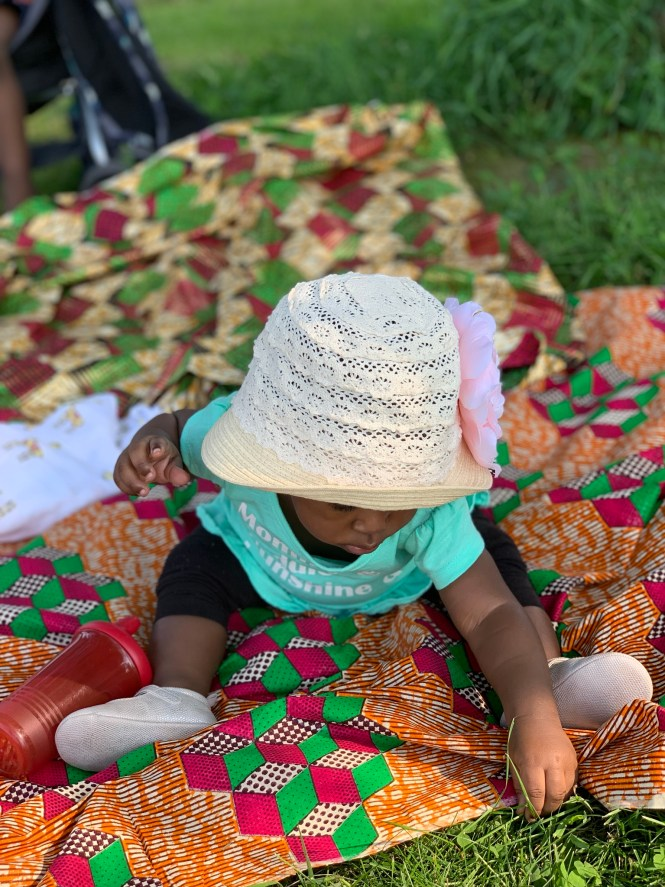 What to pack for a picnic with kids