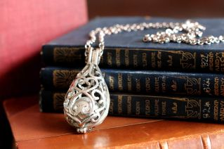 Close Up: My favourite necklace