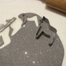 Udstansning af en hest i hjemmelavet selvhærdende ler