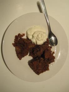 chokolade brødbudding, med cremefraiche