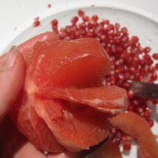 sådan skære man både af en grapefrugt