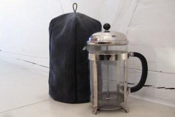 Hjemmesyet, sort stempelkande hætte/kaffemarmer