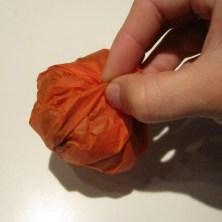 Hjemmelavede slikpakker som halloween græskar - trin 4