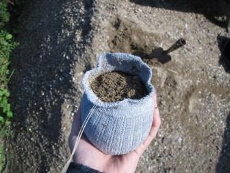 Hjemmelavet sokkegræskar med sand