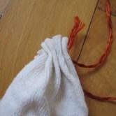 Hjemmelavede græskar af gamle sokker - trin 4
