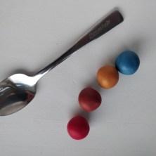 Hvordan laver man greb på en ske, af polymer ler