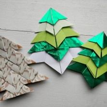 Guide til foldede origami juletræer - Bæredygtig julepynt af genbrugspapir