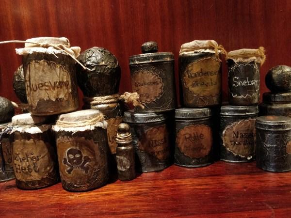 Hjemmelavede bætter glas og flasker til Halloween