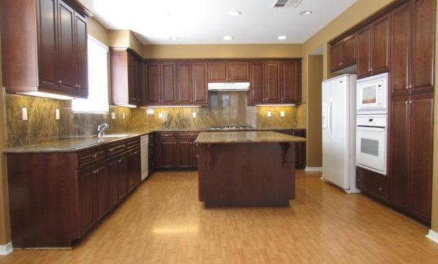 Gorgeous Spacious Kitchen with tons of cabinets and counter top